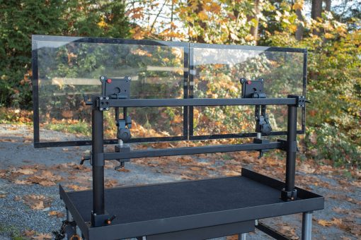 Mount top and bottom rails offset to provide more build flexibility
